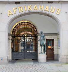 Historische Architektur in der Hamburger Altstadt; Kontorhaus - Afrikahaus, Architekt Martin Haller - 1899.