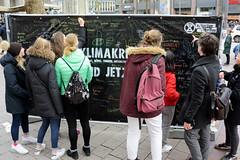 Klimawände, aufgestellt von Extinction Rebellion XR an der Mönckebergstraße in der Hamburger Innenstadt.