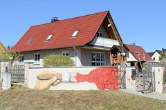 Demen ist eine Gemeinde im Landkreis Ludwigslust-Parchim in Mecklenburg-Vorpommern.