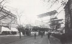 Bau der Sternbrücke an der jetzigen Kreuzung Stresemannstraße - Max-Brauer-Allee, 1895.