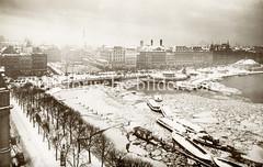 Historische Luftaufnahme von der Hamburger Binnenalster - Kleine Alster im Winter.