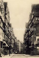 Historische Aufnahme der Straße Kattrepel in der Hamburger Altstadt, ca. 1905.