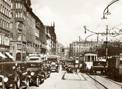 Alte Fotografie vom Straßenverkehr am Hamburger Jungfernstieg.
