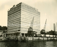 Altes Foto vom   Union-Kühlhaus in Hamburg Neumühlen.