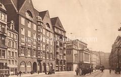 Alte Bilder aus der Dammtorstraße in der Hamburger Neustadt - Innenstadt. Lks. das Backsteingebäude der Hamburger Schulbehörde, es wurde 1913 fertig gestellt; er Architekt ist der Hamburger Oberbaudirektor Fritz Schumacher.