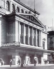 Alte Bilder aus der Dammtorstraße in der Hamburger Neustadt - Innenstadt. Fassade des alten Stadttheaters; errichtet 1827 - Architekt Ludwig Wimmel; Fassadenerneuerung 1874, Martin Haller.