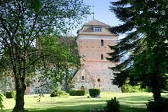 Bellin ist ein Ortsteil der Stadt Krakow am See im Landkreis Rostock in Mecklenburg-Vorpommern.