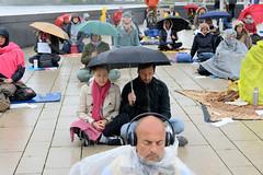 Hamburg meditiert für das Grundgesetz - Aktion gegen Coronamaßnahmen durch die Gruppe Widerstand2020.