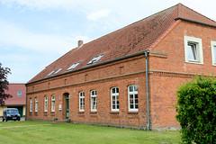 Plauerhagen ist ein Ortsteil der Gemeinde Barkhagen im  Landkreis Ludwigslust-Parchim in Mecklenburg-Vorpommern.