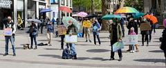 Aktion Klimarettungsschirm von Extinction Rebellion XR an der Spitalerstraße - Mönckebergstraße  am 02.05.2020.