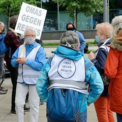 Demonstration von Antifaschisten gegen die rechten Tendenzen der sogen. Hygiene-Demos zu Zeiten der Corona 2020 in Hamburg.