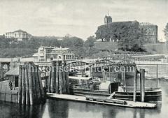 Historische Fotografie vom alten Fährhaus an den St. Pauli Landungsbrücken