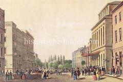 Alte Bilder aus der Dammtorstraße in der Hamburger Neustadt - Innenstadt.  Historisches Hamburg um 1840; die Bürger flanieren in Sonntagskleidung auf der Dammtorstrasse. Vor dem Stadttheater steht eine Pferdekutsche.