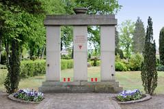OdF-Denkmal für ehemalige Häftlinge aus dem Außenlager des KZ Ravensbrück auf dem Friedhof von Neustadt-Glewe.