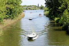 Sportboote im Schweriner Werderkanal - Wasserverbindung zwischen Ziegelsee und Heidensee.