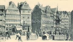 Historische Bilder vom Messberg in der Hamburger Altstadt, Innenstadt. X0900457 Historische Bilder vom Messberg in der Hamburger Altstadt, Innenstadt. Blick über den Markt auf dem Messberg zur Fischerstwiete.