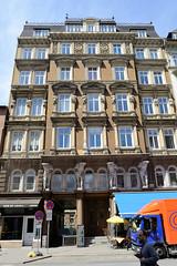 Fotos aus den Hamburger Stadtteilen und Bezirken - Bilder aus Hamburg St. Georg, Bezirk Hamburg Mitte. Wohngeschäftshaus in der Langen Reihe, erbaut 1879 - Architekt Holtz..
