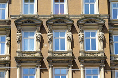 Fotos aus den Hamburger Stadtteilen und Bezirken - Bilder aus Hamburg St. Georg, Bezirk Hamburg Mitte. Wohngeschäftshaus in der Langen Reihe, erbaut 1879 - Architekt Holtz.