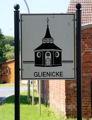 Glienicke  ist ein Ortsteil der Gemeinde Heiligengrabe und wurde 1316 erstmals als Glynike erwähnt.