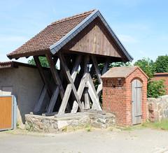 Maulbeerwalde ist ein Ortsteil der Gemeinde Heiligengrabe im Landkreis Ostprignitz-Ruppin in Brandenburg.