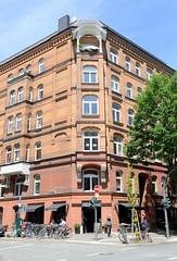 Fotos aus den Hamburger Stadtteilen und Bezirken - Bilder aus Hamburg St. Georg, Bezirk Hamburg Mitte; Etagenhaus in der Langen Reihe, erbaut um 1885.