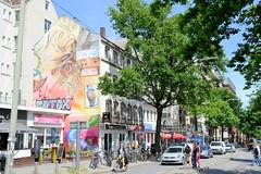 Fotos aus den Hamburger Stadtteilen und Bezirken - Bilder aus Hamburg St. Georg, Bezirk Hamburg Mitte; Fassadenbild, Wohnhäuser / Geschäftshäuser in der Langen Reihe.