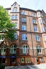 Fotos aus den Hamburger Stadtteilen und Bezirken - Bilder aus Hamburg St. Georg, Bezirk Hamburg Mitte; Wohngeschäftshaus in der Langen Reihe, errichtet 1882 - Architekt Brekelbaum.