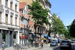 Fotos aus den Hamburger Stadtteilen und Bezirken - Bilder aus Hamburg St. Georg, Bezirk Hamburg Mitte; Wohngeschäftshäuser in der Langen Reihe - in der Mitte ein Fachwerkgebäude, urspr. entstanden 1629.