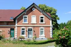 Fotos aus dem Hamburger Stadtteil Altengamme, Vierlande - Bezirk Hamburg Bergedorf. Wohn- und Wirtschaftsgebäude am Horster Damm.