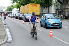 Pop-up-Bikelane der Initiative Sternenbrücke auf der Hamburger Stresemannstraße am 13.06.2020.