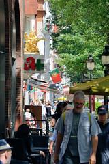 Fotos aus den Hamburger Stadtteilen und Bezirken - Bilder aus Hamburg St. Georg, Bezirk Hamburg Mitte; Lange Reihe.