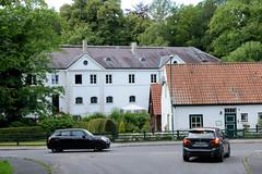 Friedrichsruh ist ein Ortsteil der Gemeinde Aumühle, Kreis Herzogtum Lauenburg in Schleswig-Holstein; Wohnhäuser.
