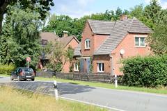 Zuckerhut ist ein Ortsteil der  Gemeinde Seedorf im Kreis Herzogtum Lauenburg in Schleswig-Holstein.