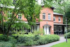 Fotos aus dem Hamburger Stadtteil Horn - Bezirk Hamburg Mitte. Ehem. Wohngebäude auf dem Gelände der Stiftung Rauhes Haus - heute Nutzung als Verwaltungsgebäude.