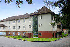 Aumühle ist eine Gemeinde im Kreis Herzogtum Lauenburg in Schleswig-Holstein und gehört zur Metropolregion Hamburg. Schulgebäude der Fürstin Ann-Mari-von-Bismarckschule.