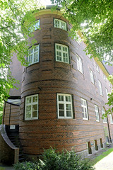 Fotos aus dem Hamburger Stadtteil Horn - Bezirk Hamburg Mitte. Rundes Treppenhaus an der Stadtteilschule Horn - errichtet 1912, Architekt Albert Erbe.