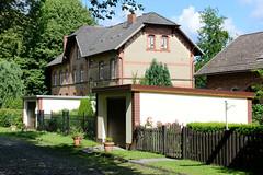 Friedrichsruh ist ein Ortsteil der Gemeinde Aumühle, Kreis Herzogtum Lauenburg in Schleswig-Holstein; Klinkerarchitektur am Sägewerk.