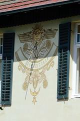 Aumühle ist eine Gemeinde im Kreis Herzogtum Lauenburg in Schleswig-Holstein und gehört zur Metropolregion Hamburg; Sonnenuhr.