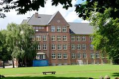 Fotos aus dem Hamburger Stadtteil Horn - Bezirk Hamburg Mitte; Stadtteilschule Horn - errichtet 1912, Architekt Albert Erbe.