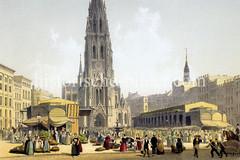 Hamburgensie vom Hopfenmarkt und der Nikolaikirche, eine der fünf Hamburger Hauptkirchen. Gemüsehändlerinnen verkaufen in Vierländer Trachten Gemüse - re. im Hintergrund die Kirchturmspitze von St. Katharinen.