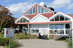 Fotos aus dem Hamburger Stadtteil Ochensenwerder, Bezirk Bergedorf. Moderne Architektur vom Sternipark, Kinderhaus im Elversweg.