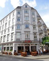 Fotos aus dem Hamburger Stadtteil Neustadt, Bezirk Hamburg Mitte. Wohngeschäftshaus in der Ditmar Koel Straße, errichtet 1903 - Architekt Hermann Reinhardt.