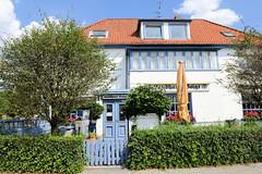 Fotos aus dem Hamburger Stadtteil Ochensenwerder, Bezirk Bergedorf. Gaststätte mit Gartenrestaurant - Landhaus Voigt - am Ochsenwerder Norderdeich.