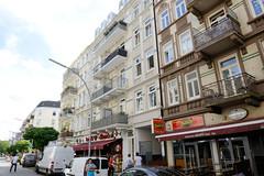 Fotos aus dem Hamburger Stadtteil Neustadt, Bezirk Hamburg Mitte; Wohnhäuser / Geschäftshäuser in der Ditmar Koel Straße / Portugiesenviertel.