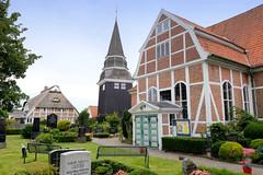 Curslack ist ein Stadtteil  im Bezirk Hamburg Bergedorf. Curslack ist einer der vier Stadtteile, die zusammen die Hamburger Vierlande bilden. Kirche St. Johannis - errichet 1599 - 1603.