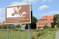 Darchau  ist ein Dorf in der Gemeinde  Amt Neuhaus, Landkreis Lüneburg in Niedersachsen.