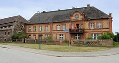 Vierraden war eine Kleinstadt mit etwa 1000 Einwohnern im Nordosten Brandenburgs; 2003 wurde sie in die Stadt Schwedt, Oder eingemeindet.