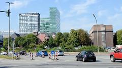 Fotos aus dem Hamburger Stadtteil St. Georg, Bezirk Mitte ; Blick von der Bürgerweide zu den Hochhäusern am Strohhause.