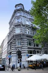 Fotos aus dem Hamburger Stadtteil Neustadt, Bezirk Hamburg Mitte. Wohnhaus an der Michaelisbrücke / Neidlingerhaus, erbaut 1885 - Architekt Grotjan.