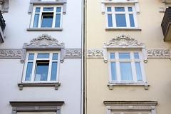 Fotos aus dem Hamburger Stadtteil Neustadt, Bezirk Hamburg Mitte; Fassadendekor in der Ditmar-Koel-Straße.